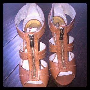 MK platform sandals Sz 9